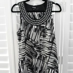 GORGEOUS like new sleeveless blouse XL